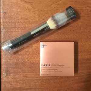 NIB IT Cosmetics Bye Bye Pores Bronzer & Brush